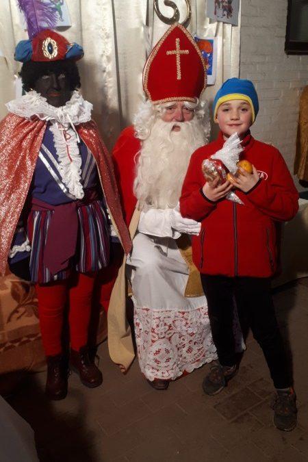 De Sint en zijn Piet brachten een bezoekje aan de training van DCLA Halen